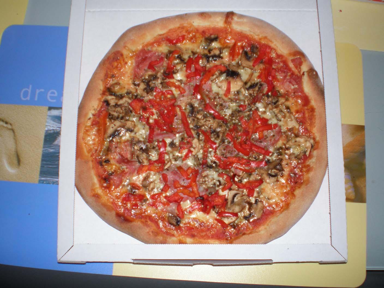 bella italia d ren bietet original italienische pizza cp4. Black Bedroom Furniture Sets. Home Design Ideas