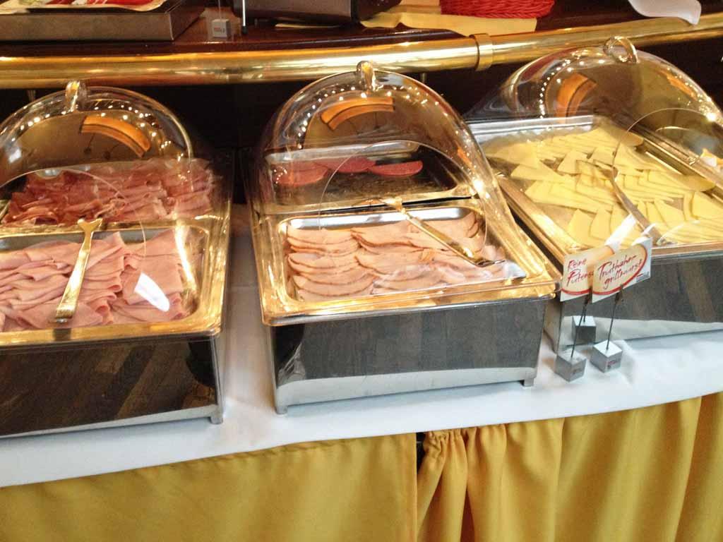 liebesschaukel test frühstücksbuffet düren